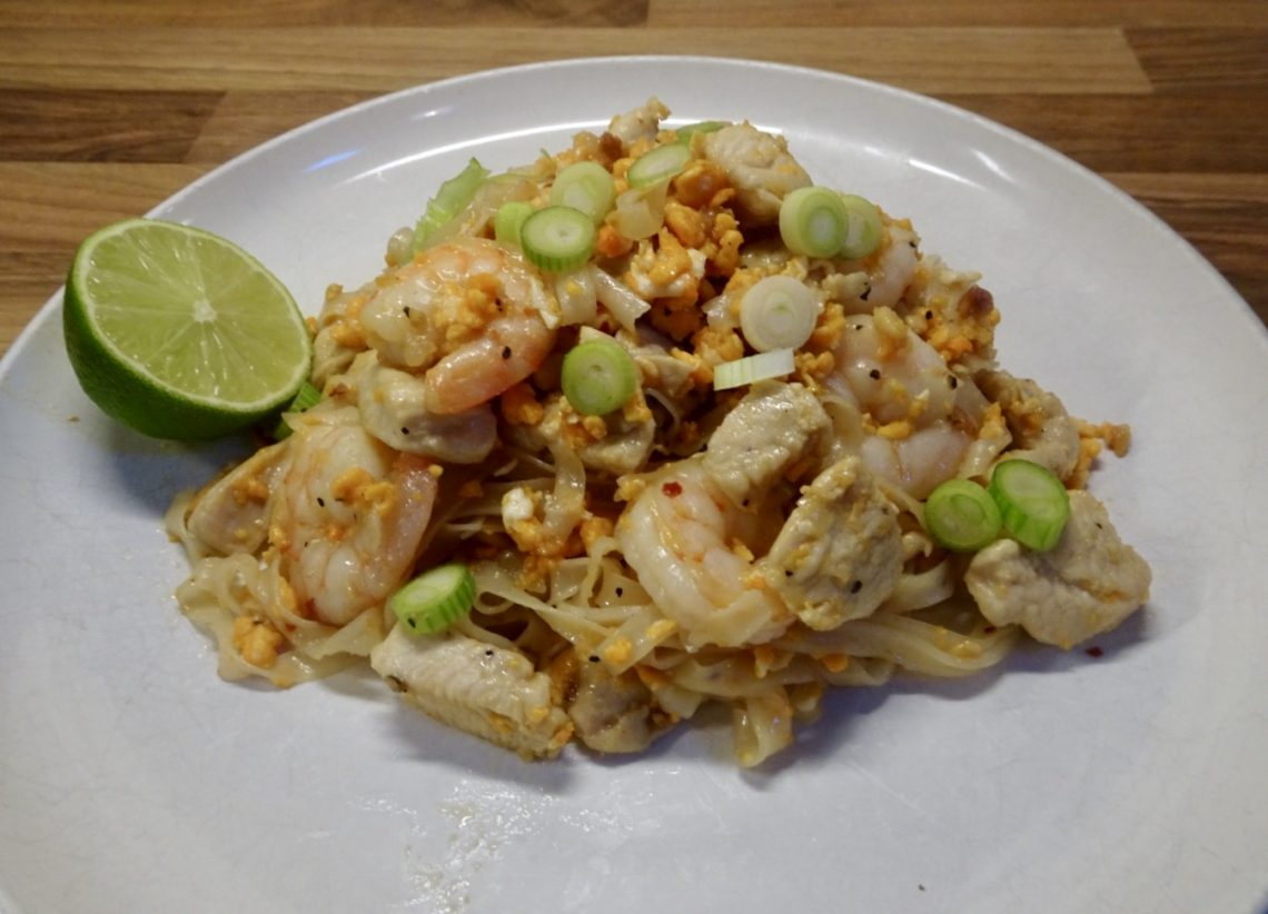 Chicken & Prawn Pad Thai