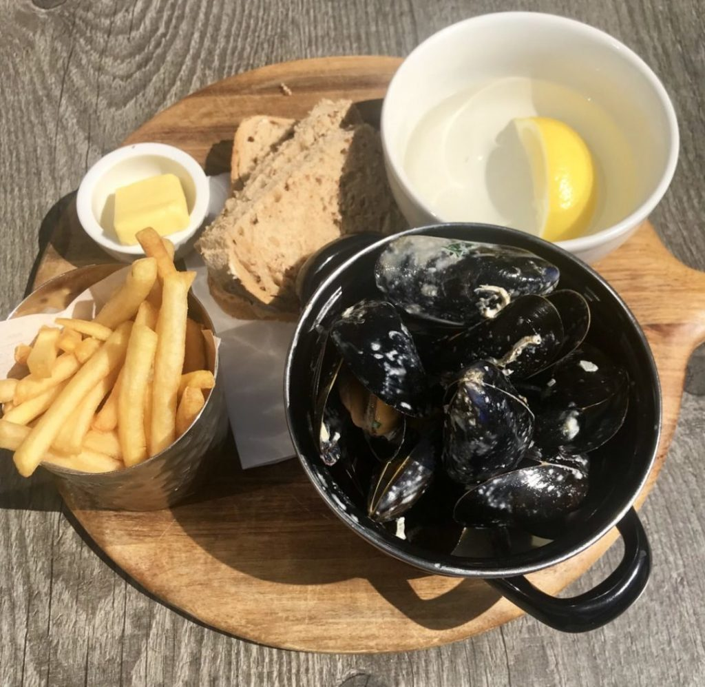 Read more about the article The Perfect Lunch Date at Number 32 Broadway | Worcestershire