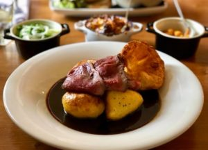 A Sunday Pub Lunch in the Bar at The Ivy Inn, North Littleton | Evesham