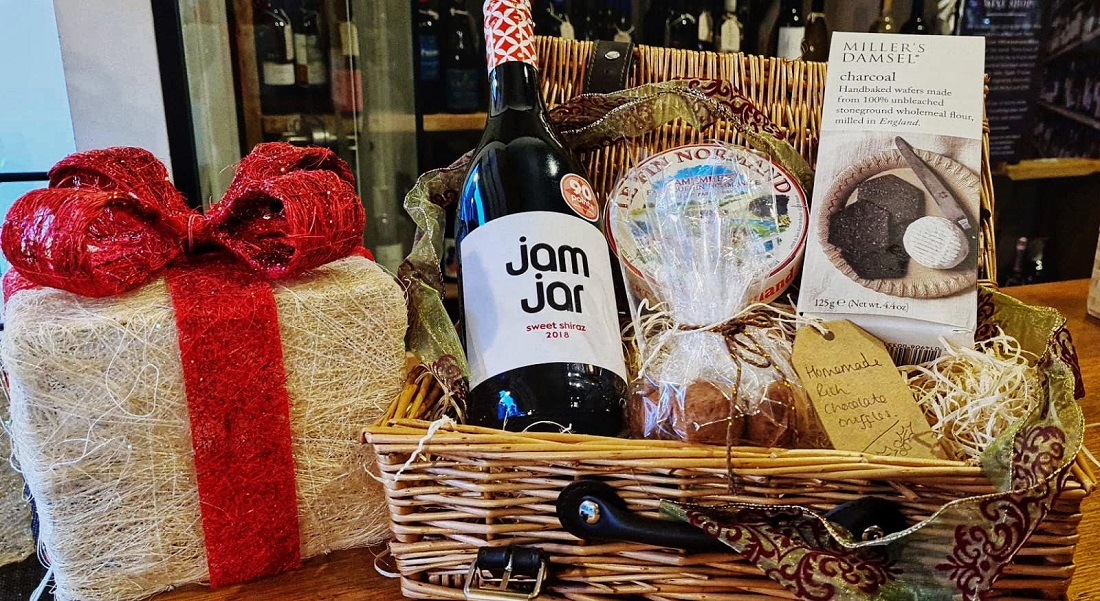 Read more about the article Online Christmas Gift Guide for Foodies Who Love to Support Local – Three Counties